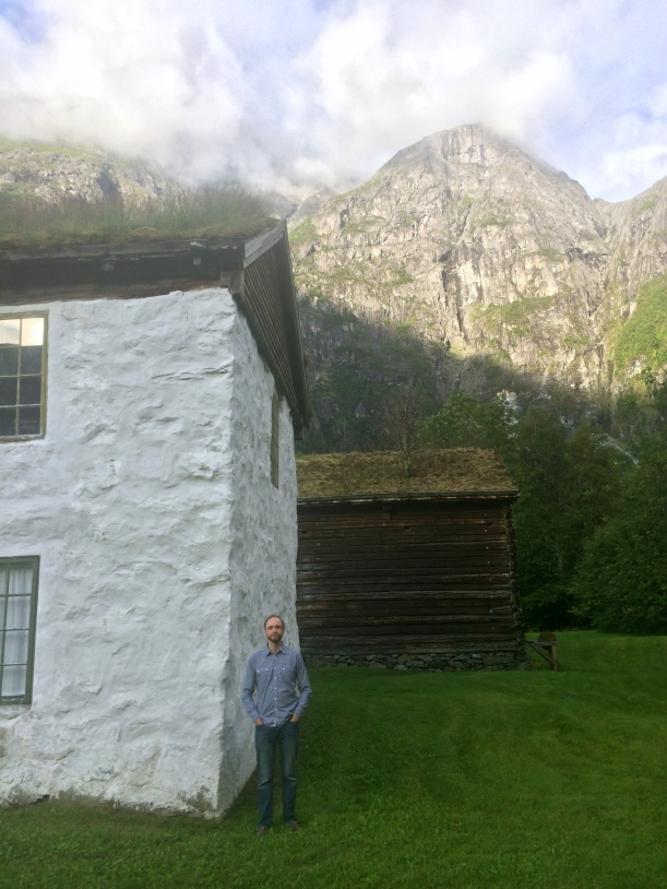 This is the house where Greg's great great grandfather Knut was raised. We wondered today whatever made him want to leave such a picturesque homeland.